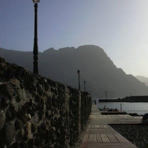 Aridany Ruano, muelle de El Puerto de las Nieves, quay of Agaete's harbour, jetée au Nord de Grande Canarie, hafen auf den Kanaren