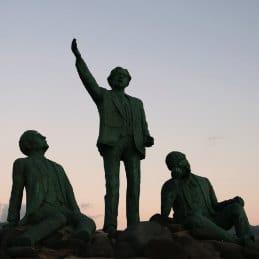 Bernd Zimmermann, the three poets of Agaete, Die drei Dichter, Denkmal Kanaren, sculpture de trois poètes, Grande Canarie