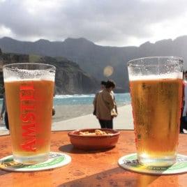 Dolce farniente im Agaete, by Jaume Escofet, une bière bien fraîche au nord de Grande Canarie, blod fresh bier in El Puerto de las Nieves