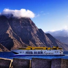 Ferry de Fred Olsen por José Manuel Cruz Leal, Fährschiff in Agaete, ferry from Agaete to Santa Cruz de Tenerife, https://www.fredolsen.es/en