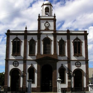 Roland Kirchhoff, front view of Agaete's church, église du nord-ouest de l'île de Grande Canarie